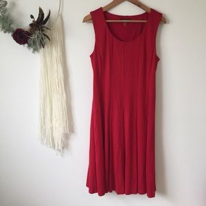 Nine West : strapless red pleated princess dress